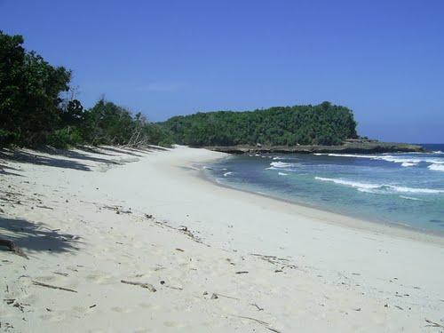 Pantai-Lenggoksono4