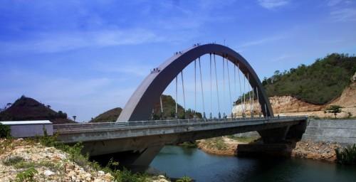 jembatan-pantai-bajul-mati
